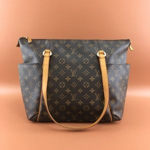 Preowned Louis Vuitton Totally MM Monogram Canvas